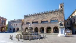 Piazza Cavour Marina di Rimini Darsena Porto Turistico Rimini Emilia-Romagna posto barca